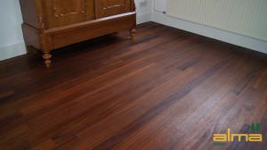 houtsoort BASRALOCUS planken stroken visgraat tapis bourgogne multiplank 3 strooks lamel was lak olie ALMA PARKET VLOEREN