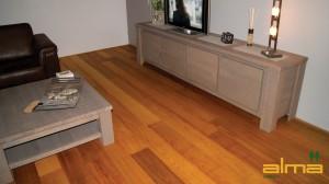 houtsoort TAUARI planken stroken visgraat tapis bourgogne multiplank 3 strooks lamel was lak olie ALMA PARKET VLOEREN