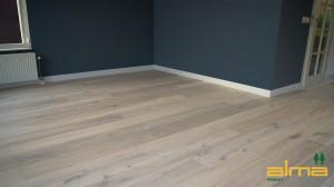07004 Planken BREDA EIKEN RUSTIEK NATUUR multiplank wit tapis bourgogne lamel q2 visgraat alma geolied PARKET VLOEREN BREDA