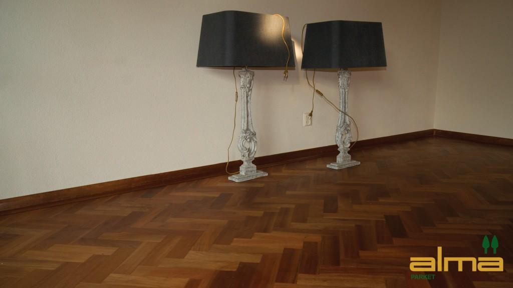 houtsoort YBYRARO planken stroken visgraat tapis bourgogne multiplank 3 strooks lamel was lak olie ALMA PARKET VLOEREN