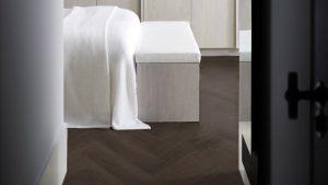 Piet Boon terra visgraat herringbone patroon vloer